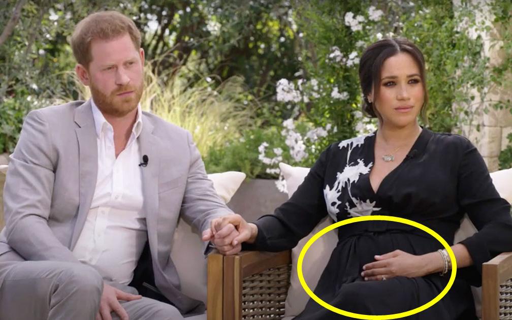"""Hình ảnh đầu tiên trong cuộc phỏng vấn """"bom tấn"""" của nhà Sussex: Meghan ôm bụng bầu như sắp khóc, Harry có phát ngôn nhắc đến mẹ ruột gây choáng"""