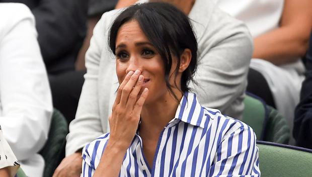 Mỗi lần rưng rưng trên sóng truyền hình, Meghan Markle đều để kiểu tóc mong manh này: Liệu có ẩn ý đằng sau? - Ảnh 6.