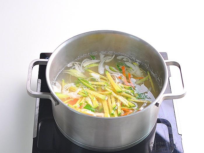 Món súp này ăn khuya hay ăn sáng đều cực đỉnh, nhẹ bụng lại giúp da dẻ căng mịn đẹp xinh - Ảnh 7.