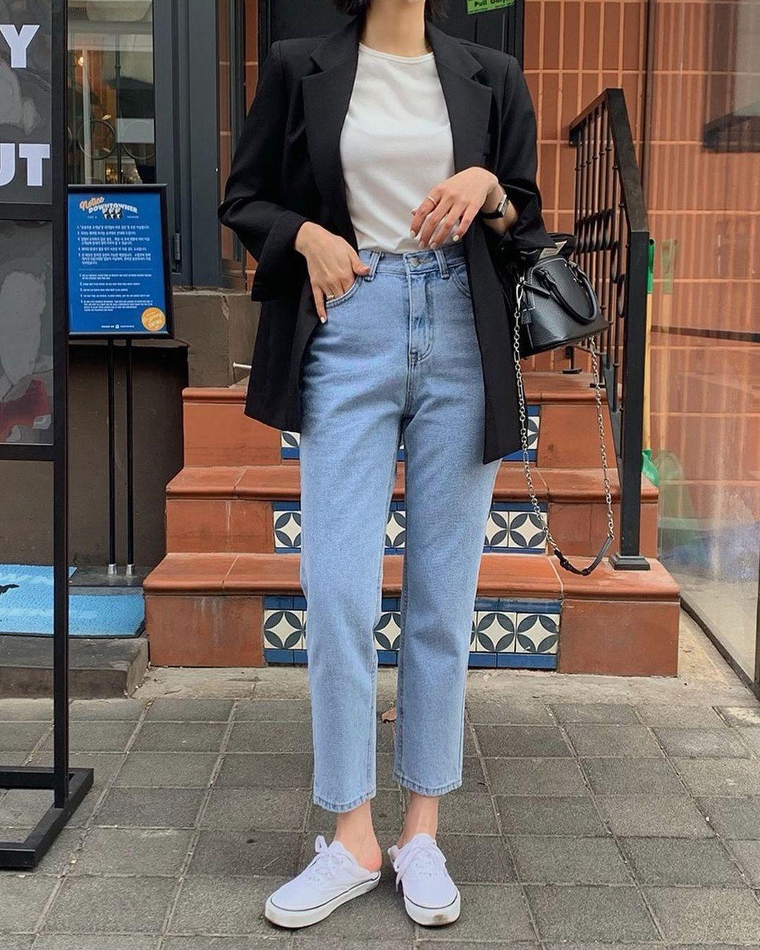 4 kiểu quần jeans dân sành điệu sẽ diện liên tục trong năm 2021