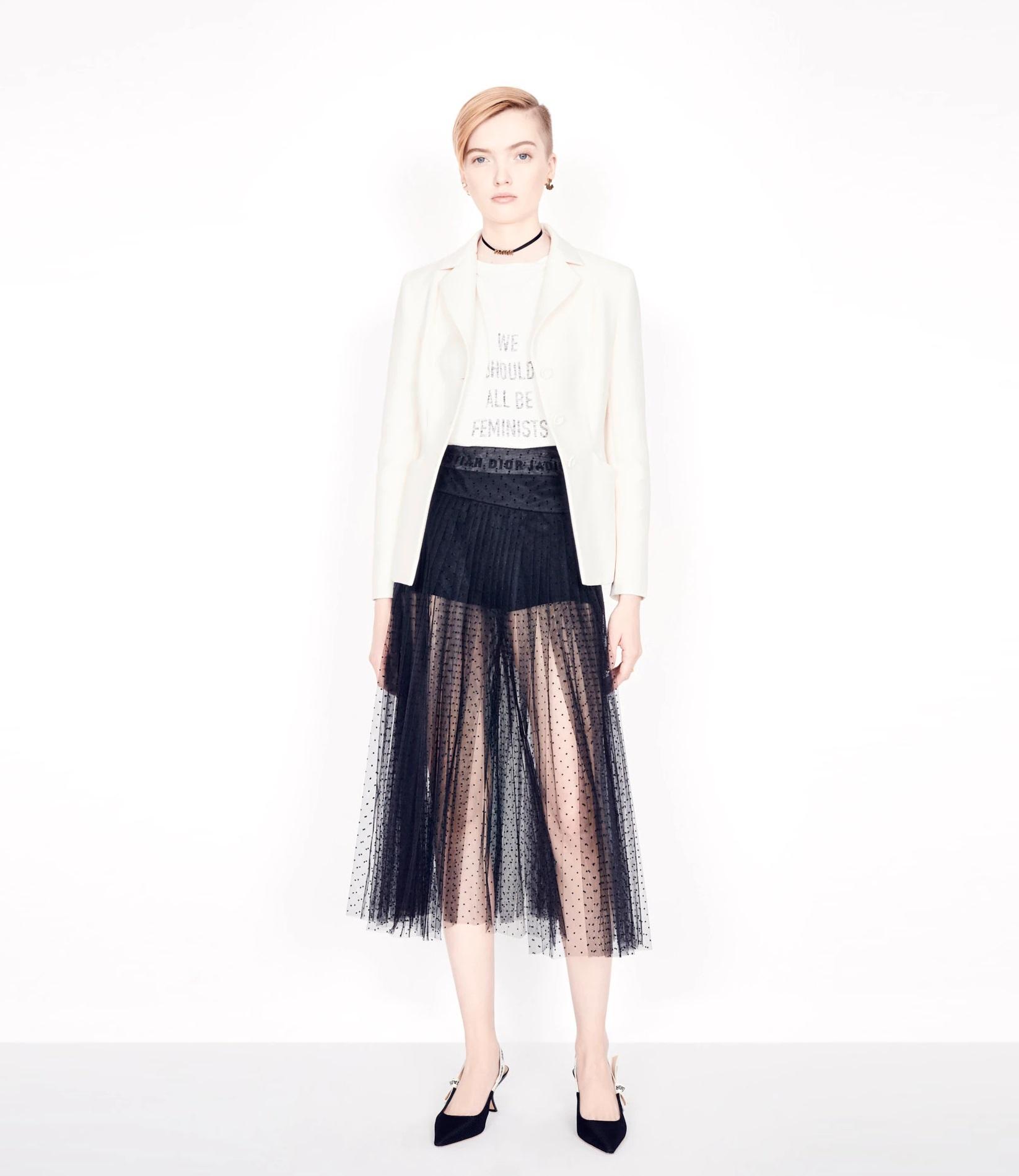 2 mẩu SNSD đụng hàng Dior: Style khác biệt nhưng Yoona hay Sooyoung mới nhỉnh hơn? - Ảnh 4.
