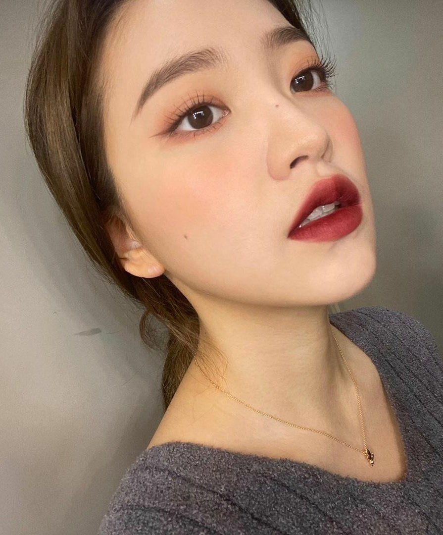 """Loạt makeup look """"đỉnh của chóp"""" từ idol Kpop, nhìn xịn sò là vậy nhưng học theo cũng đâu có khó mấy - Ảnh 6."""