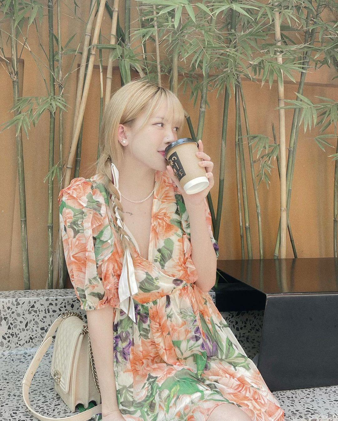 Chia tay Sơn Tùng, Thiều Bảo Trâm cũng cho luôn Prada vào lãnh cung, phủ kín tủ đồ bằng loạt Chanel xa hoa - Ảnh 6.