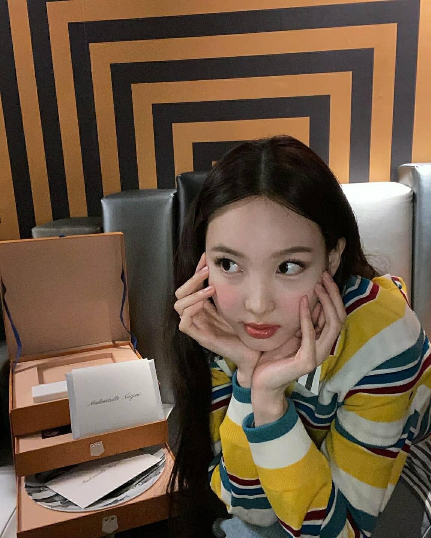 Nayeon (Twice) bị dân tình mỉa mai vì debut bao năm nhưng giờ mới được dự fashion show danh giá - Ảnh 3.