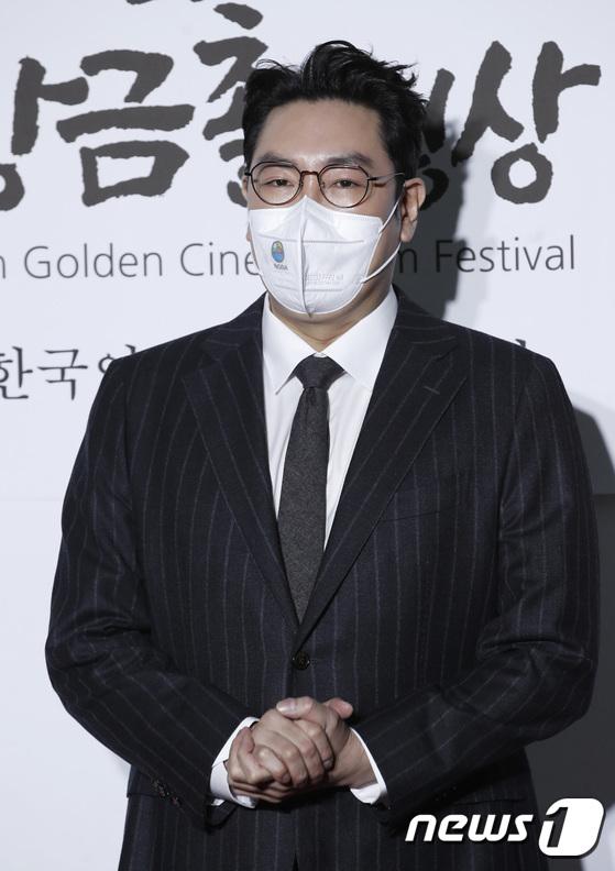 """Thảm đỏ quy tụ dàn sao Hàn cực """"hot"""": Nữ thần Yoona lộ nửa mặt vẫn xinh, Lee Kwang Soo (Running Man) tạo dáng """"tấu hài"""" - Ảnh 8."""