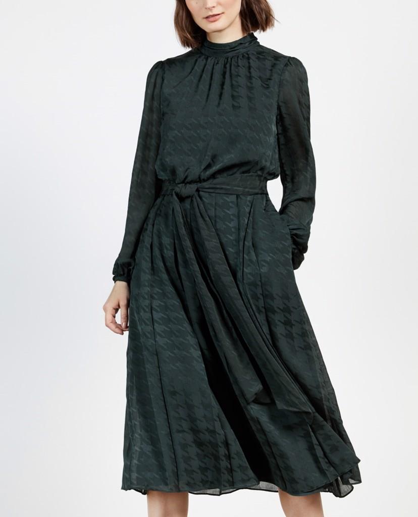 """Bóc giá chiếc váy bị chê """"dính phân chim"""" của Meghan Markle: Hàng hiệu giá 108 triệu, """"hack dáng"""" cực đỉnh cho bà bầu! - Ảnh 5."""