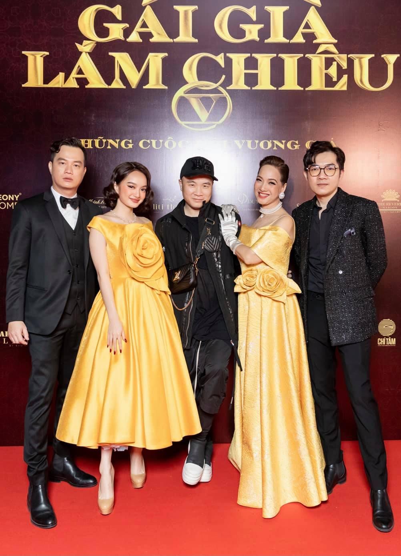 Chi hàng tỷ đồng cho thời trang phim, NTK Đỗ mạnh Cường hé lộ ý nghĩa thâm sâu đằng sau từng bộ váy của 3 mỹ nhân bạc tỷ của Gái Già Lắm Chiêu V - Ảnh 2.
