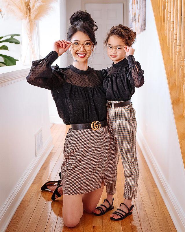 Mẹ gốc Việt nổi tiếng Instagram nhờ chụp ảnh cùng con gái, nhìn sang ảnh gia đình lại càng thấy bất ngờ hơn - Ảnh 5.