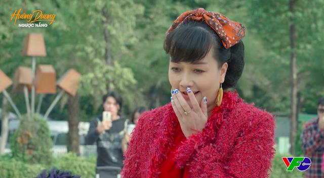 """""""Hướng dương ngược nắng"""" lộ cảnh Diễm Loan được cầu hôn, khán giả la ó vì tiểu tam xuất hiện quá nhiều, sống như bà hoàng - Ảnh 1."""