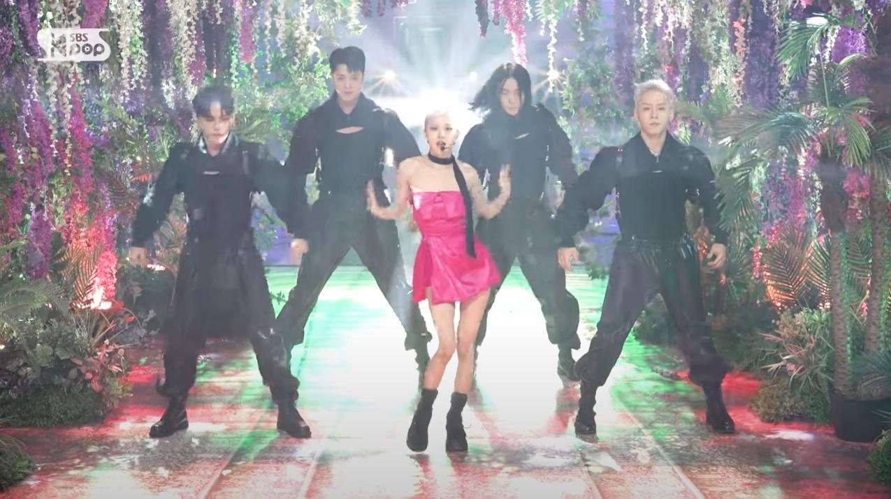Cắt hẳn váy 100 triệu cho Rosé, stylist của BLACKPINK vẫn gây thất vọng khi khiến cô chìm nghỉm giữa dàn dancer - Ảnh 6.