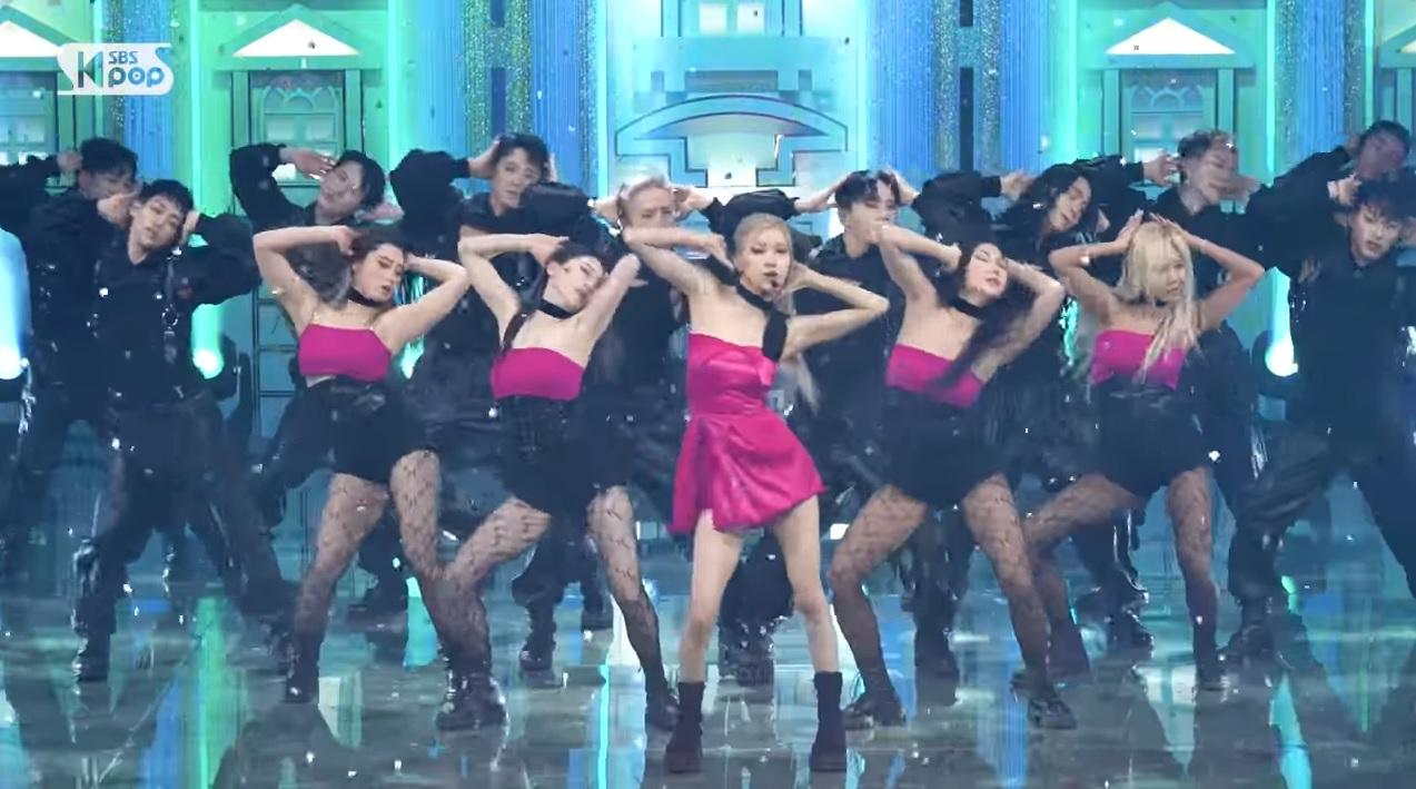 Cắt hẳn váy 100 triệu cho Rosé, stylist của BLACKPINK vẫn gây thất vọng khi khiến cô chìm nghỉm giữa dàn dancer - Ảnh 9.