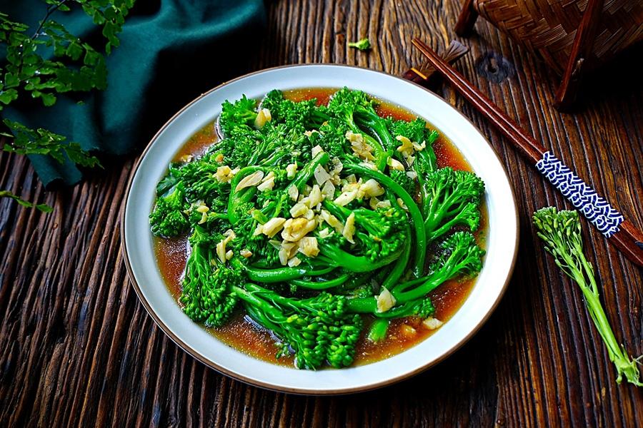 Chỉ là món súp lơ xào thôi nhưng bạn đã biết cách làm sao cho súp lơ luôn xanh và giòn chưa? - Ảnh 7.