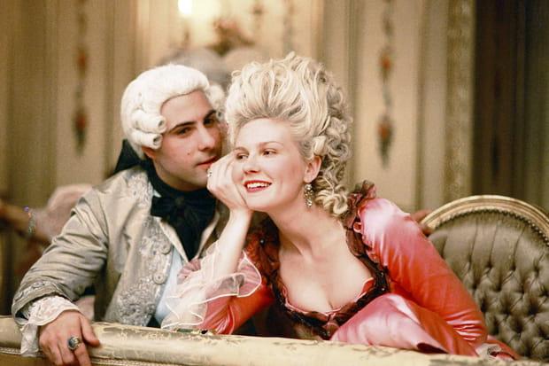 """Xuất thân cao quý, nhan sắc """"cực phẩm"""" nhưng Hoàng hậu này lại bị cắt tóc diễu hành, chém đầu thị chúng với loạt tội danh rùng mình - Ảnh 3."""