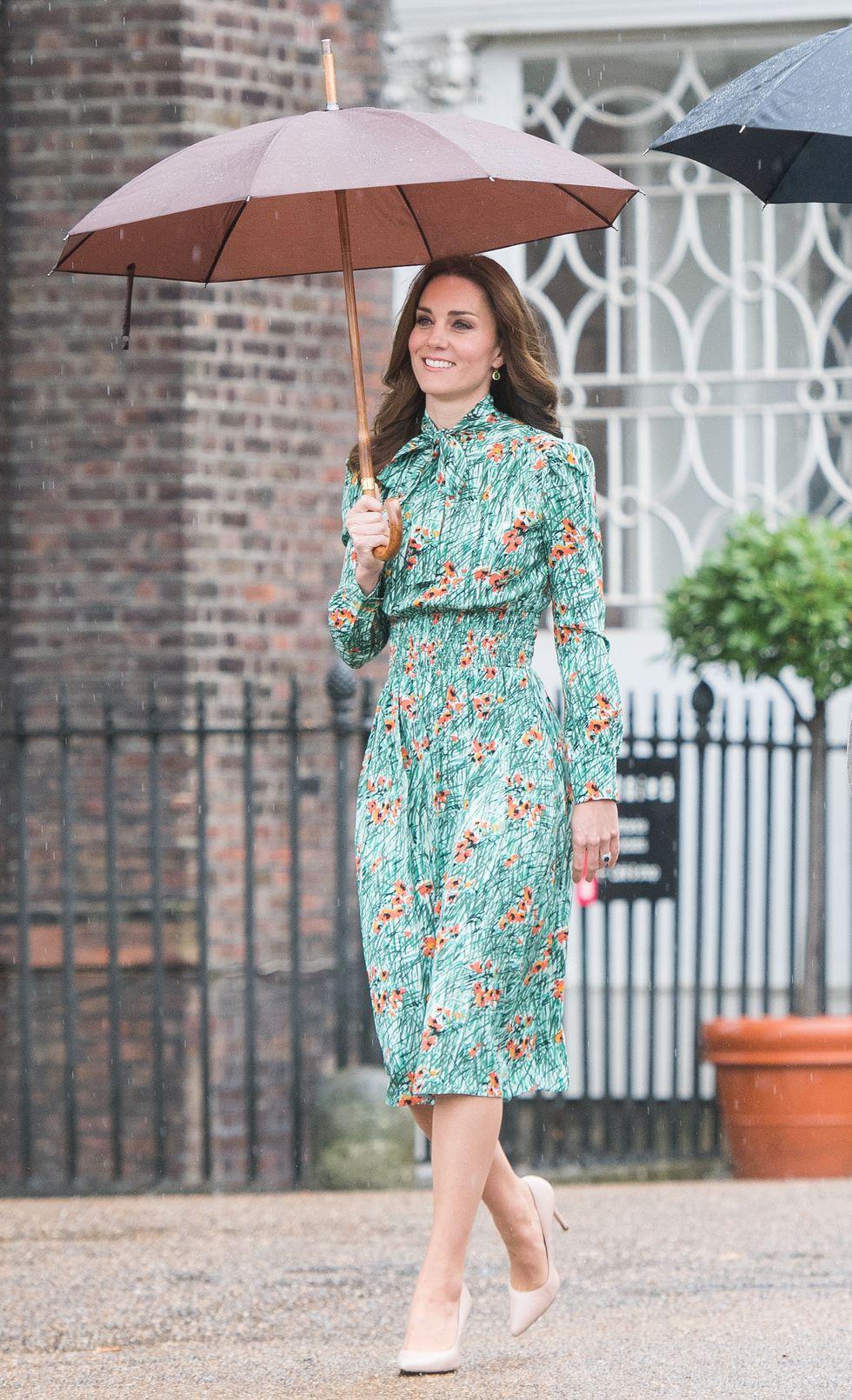 Kate Middleton vẫn luôn thon thả dù đã xấp xỉ 40 và qua 3 lần sinh nở nhờ tuân theo 4 giai đoạn ăn uống giảm cân: Vòng eo hiện tại còn thon hơn cả thời con gái - Ảnh 4.