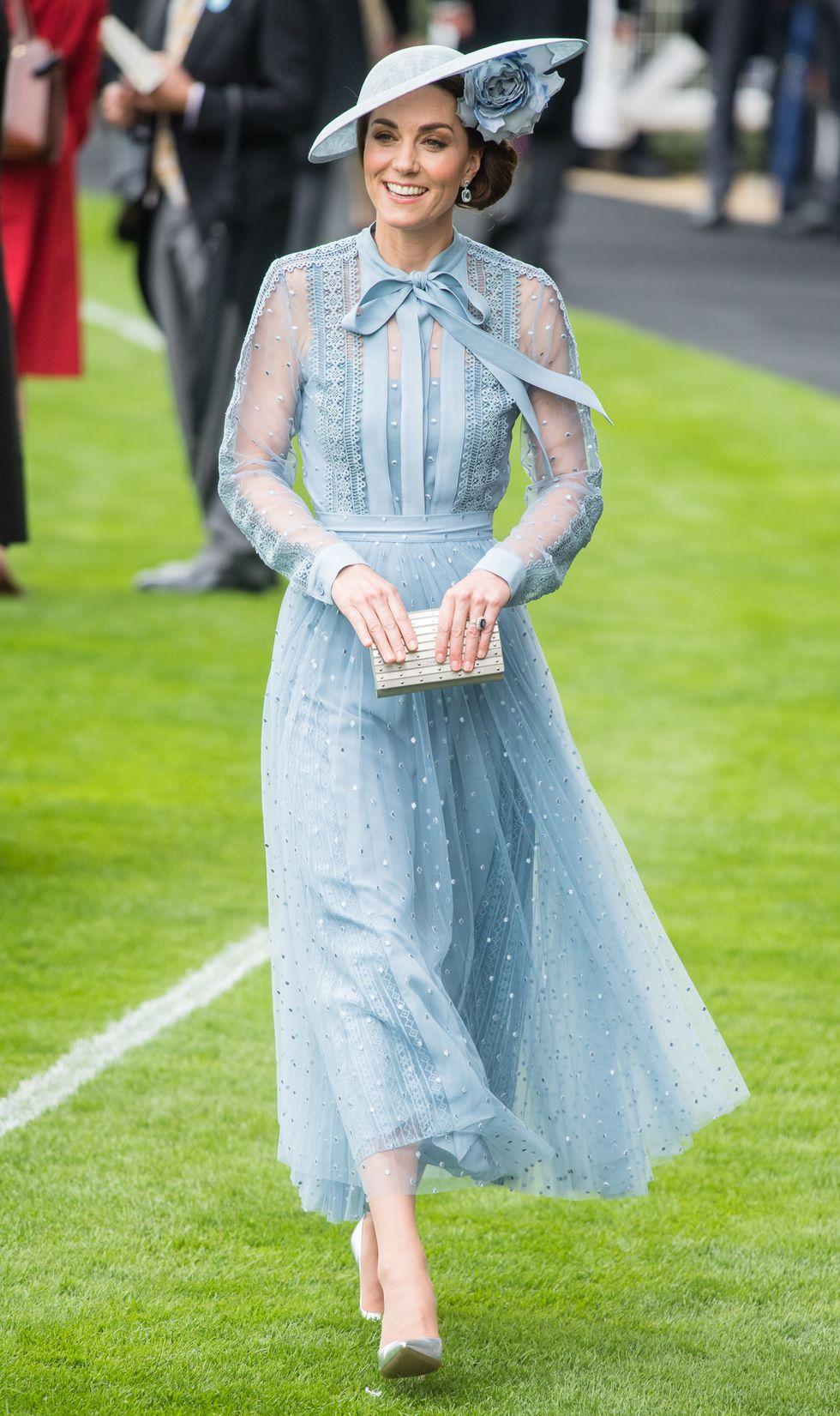 Kate Middleton vẫn luôn thon thả dù đã xấp xỉ 40 và qua 3 lần sinh nở nhờ tuân theo 4 giai đoạn ăn uống giảm cân: Vòng eo hiện tại còn thon hơn cả thời con gái - Ảnh 6.