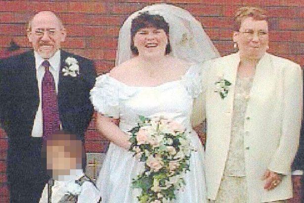 Bị bố dượng, mẹ ruột và anh trai hành hạ đến mang thai, 3 thập kỷ sau, người phụ nữ phải khai quật mộ con trai để đòi lại công lý - Ảnh 3.