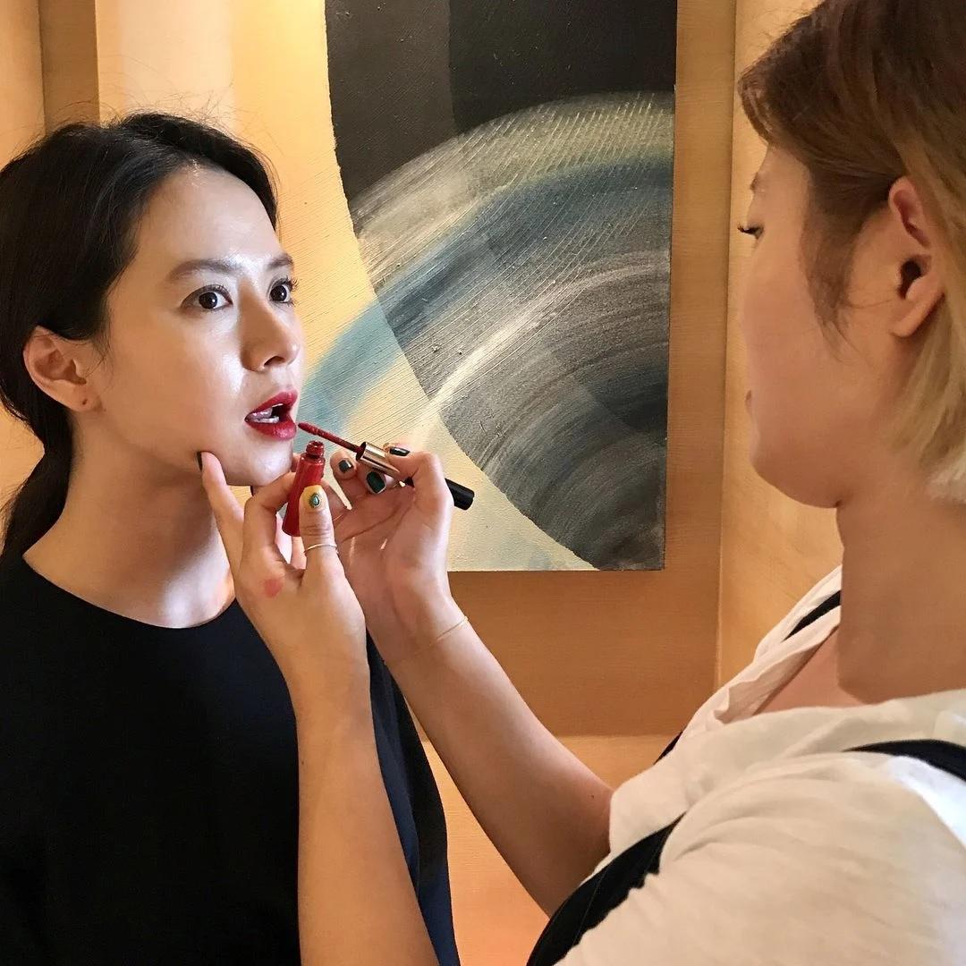 Đã 39 tuổi nhưng làn da của Song Ji Hyo vẫn láng mượt như thời 20 nhờ 5 bí kíp sau - Ảnh 6.