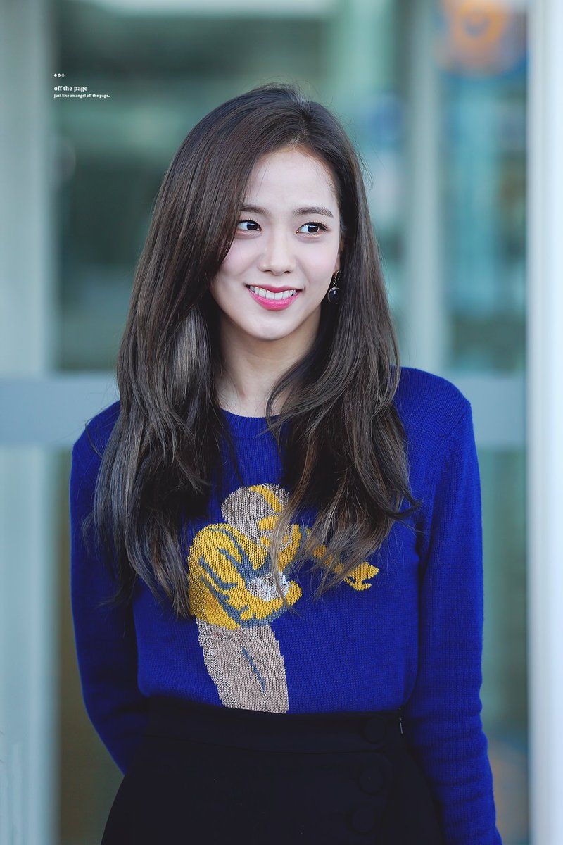 """Đẳng cấp của idol đẹp như Hoa hậu: Jisoo chứng minh khả năng """"cân"""" được mọi màu tóc, từ basic đến khó chiều - Ảnh 2."""
