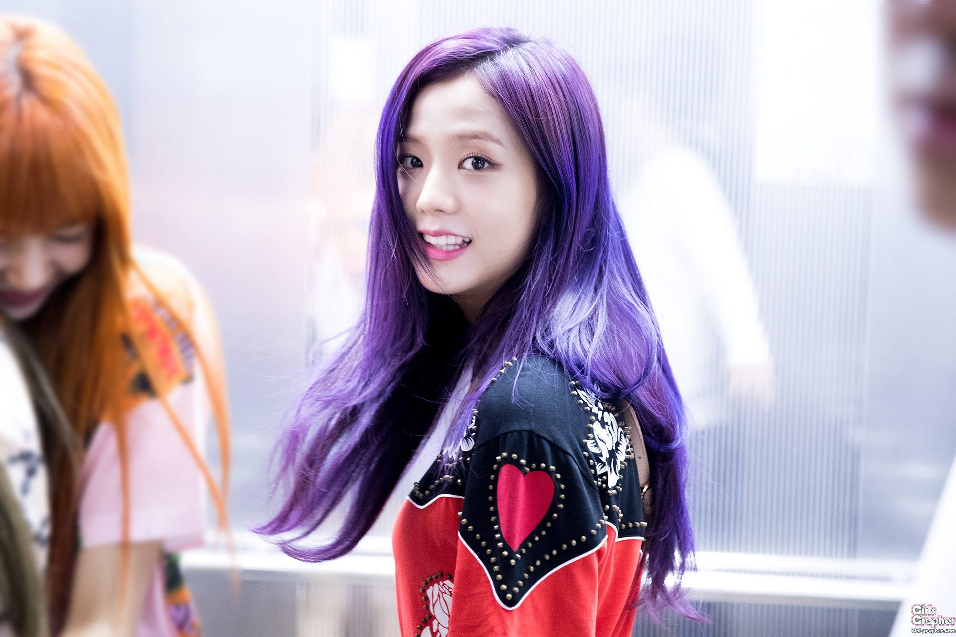 """Đẳng cấp của idol đẹp như Hoa hậu: Jisoo chứng minh khả năng """"cân"""" được mọi màu tóc, từ basic đến khó chiều - Ảnh 4."""