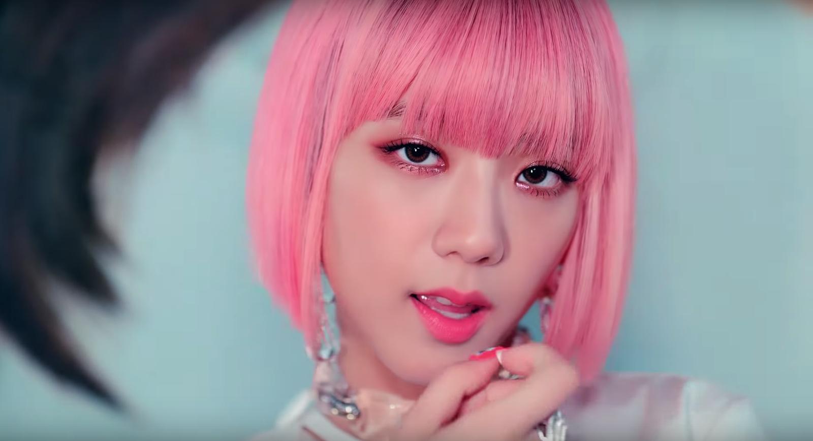 """Đẳng cấp của idol đẹp như Hoa hậu: Jisoo chứng minh khả năng """"cân"""" được mọi màu tóc, từ basic đến khó chiều - Ảnh 7."""