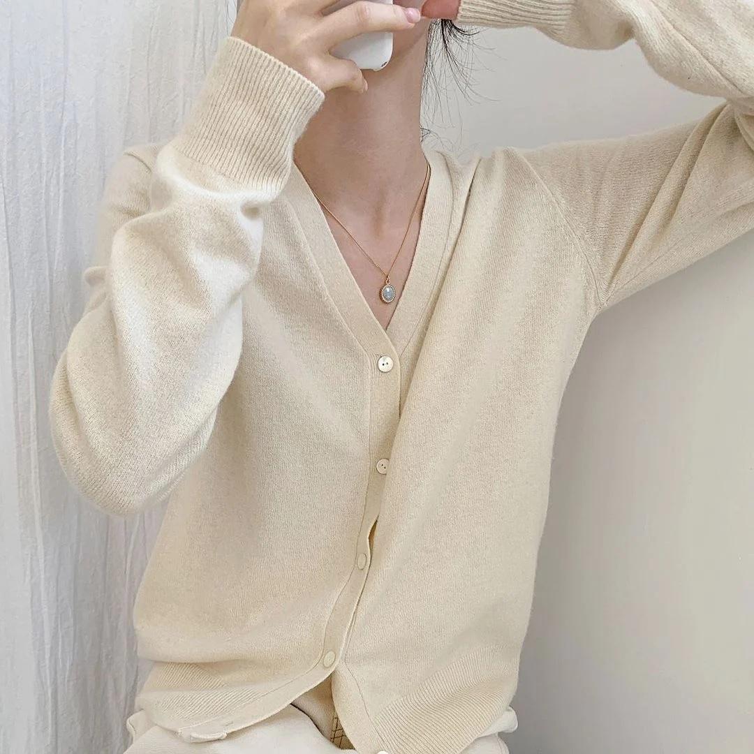 Nàng vai to hay vai hẹp muốn tìm được kiểu áo tôn dáng nhất thì phải căn cứ vào chi tiết này - Ảnh 2.