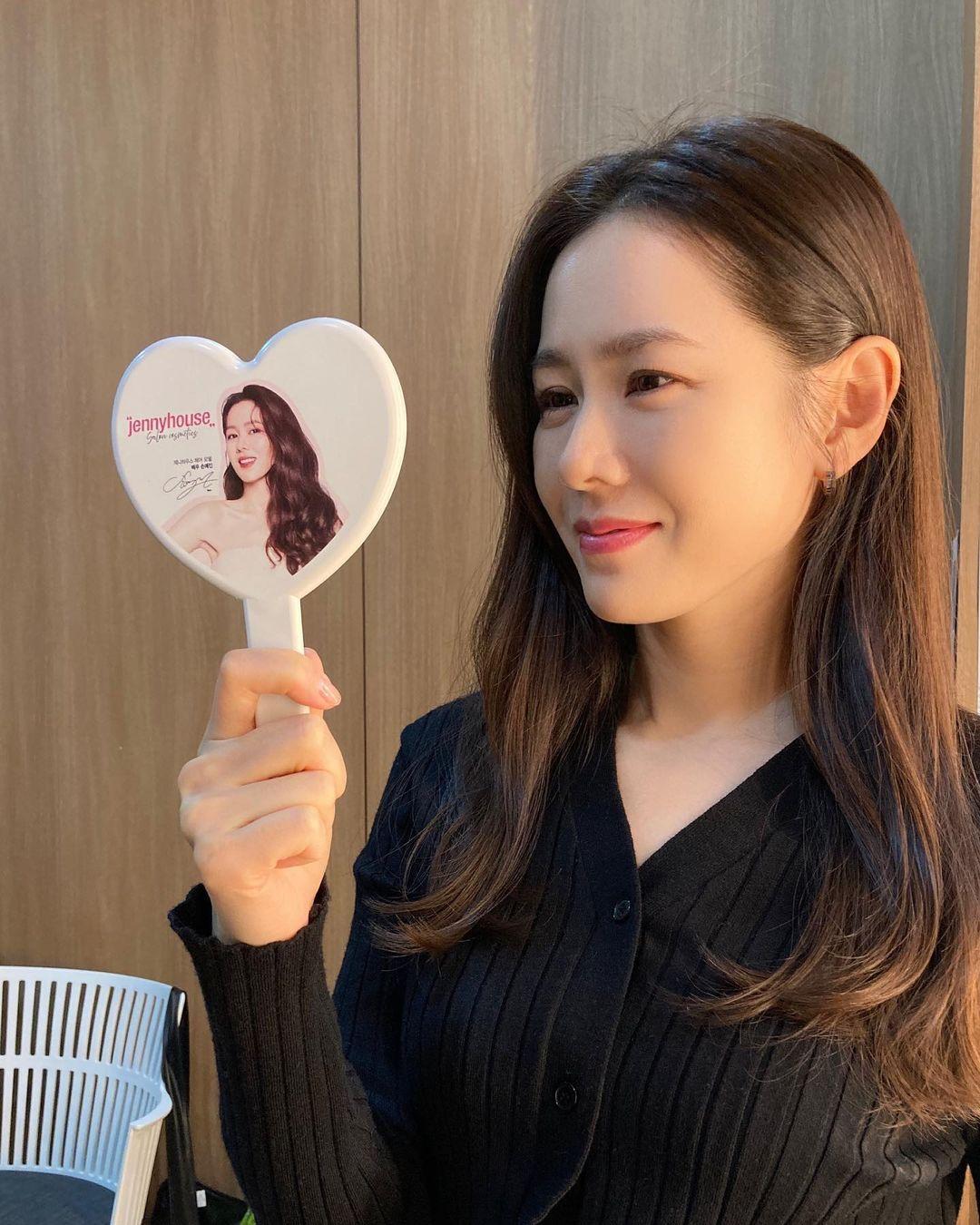 Yoona và loạt sao Hàn hé lộ cách rửa mặt sạch sành sanh, áp dụng theo để loại bỏ đám bã nhờn đáng ghét! - Ảnh 1.