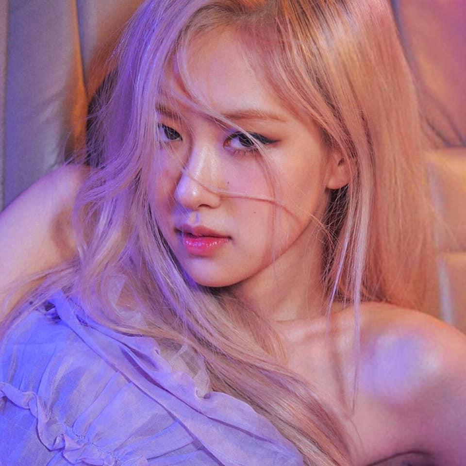 Stylist bạo tay cắt váy Haute Couture để Rosé khoe trọn vai trần, netizen rần rần: Ai làm lại chị? - Ảnh 4.