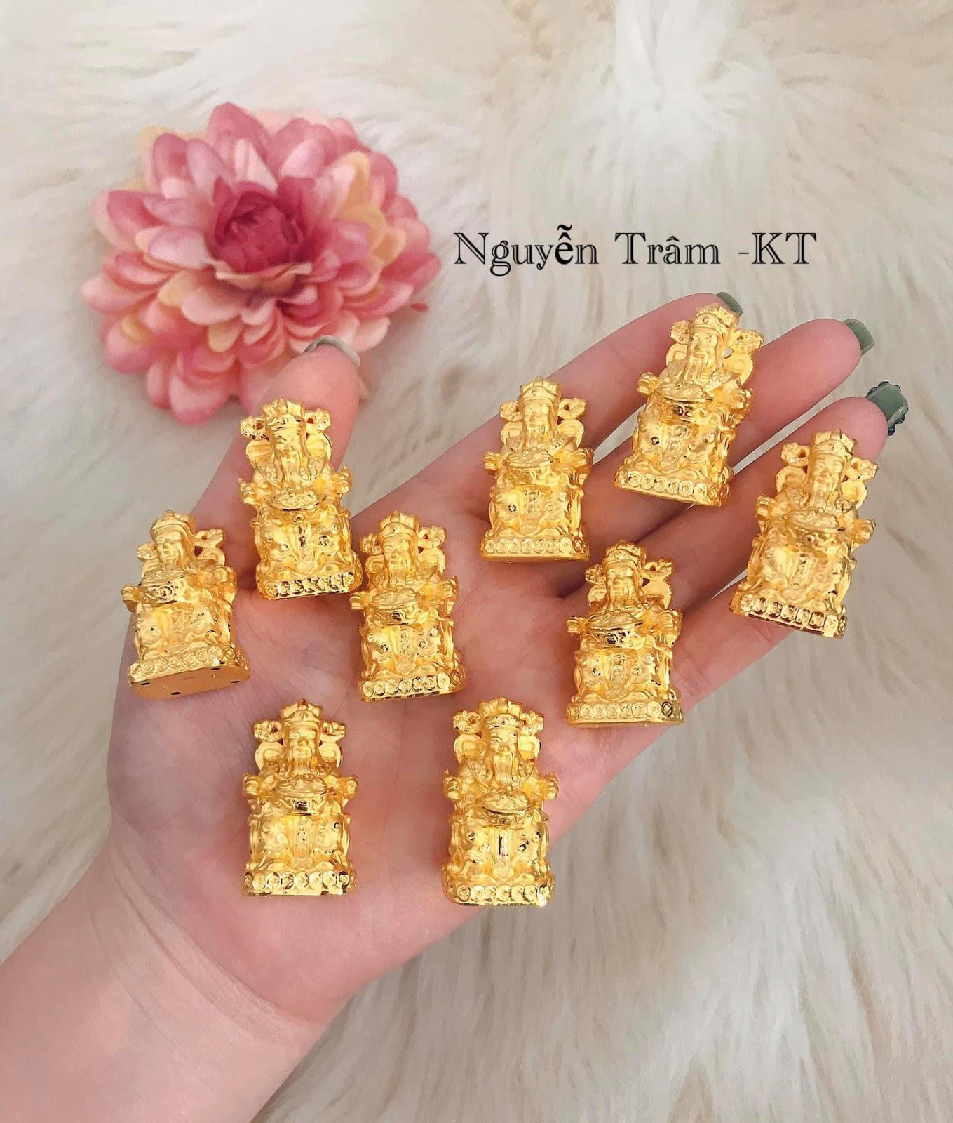 Tôn lên phong thái quyền lực của phái đẹp với trang sức của tiệm vàng Nguyễn Trâm - Ảnh 2.