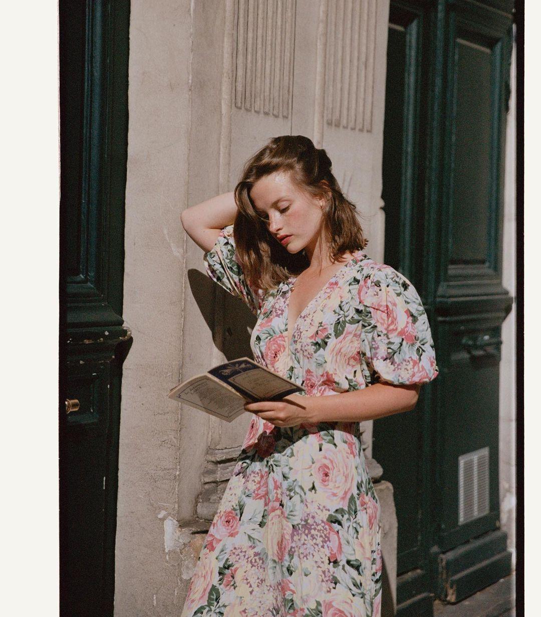 5 mẫu váy gái Pháp đang diện Xuân - Hè nhiều nhất: Kiểu nào mặc lên cũng 'auto' trẻ, xinh 0019