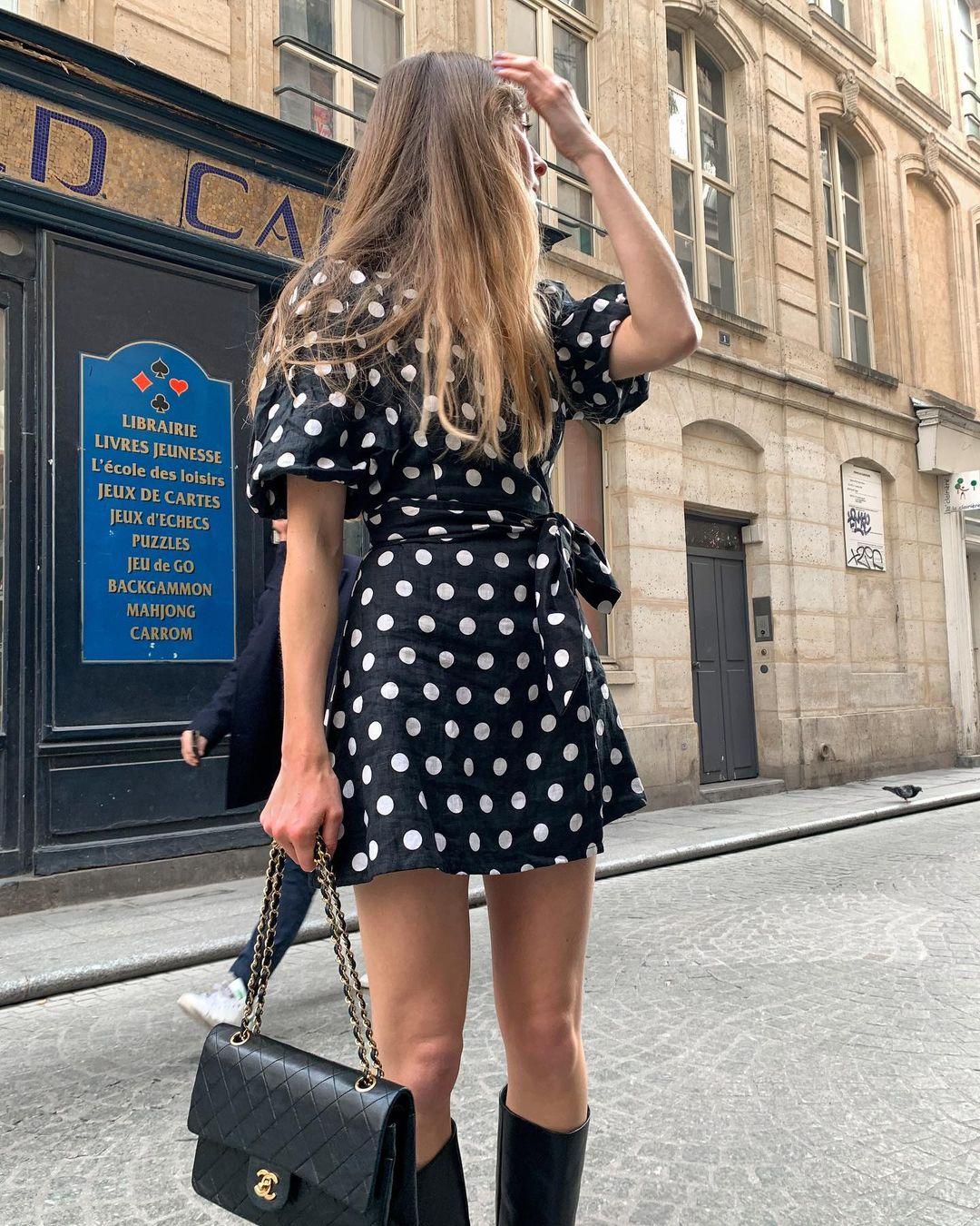 5 mẫu váy gái Pháp đang diện Xuân - Hè nhiều nhất: Kiểu nào mặc lên cũng 'auto' trẻ, xinh 006
