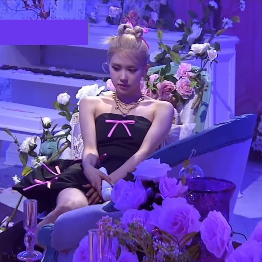 Fan lại phật lòng vì Rosé bị cho mặc đồ nhạt nhoà và giống vũ công: Stylist của BLACKPINK lụt nghề rồi! - Ảnh 9.