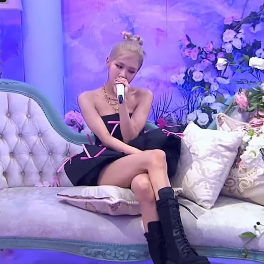 Fan lại phật lòng vì Rosé bị cho mặc đồ nhạt nhoà và giống vũ công: Stylist của BLACKPINK lụt nghề rồi! - Ảnh 8.
