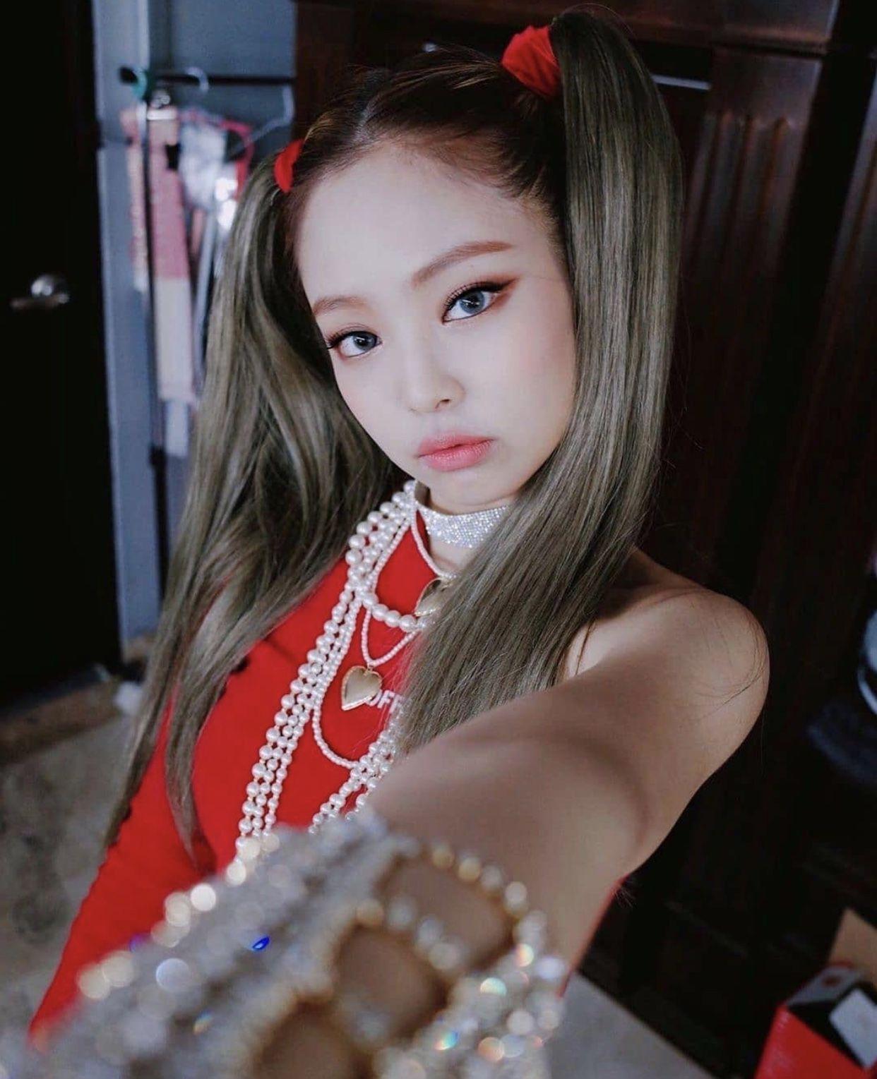 """Nayeon (Twice) bị coi như bản cosplay lỗi của Jennie khi để tóc 2 bên, tạo hình mới lạ nhưng bị chê """"phèn"""" trên tạp chí - Ảnh 10."""