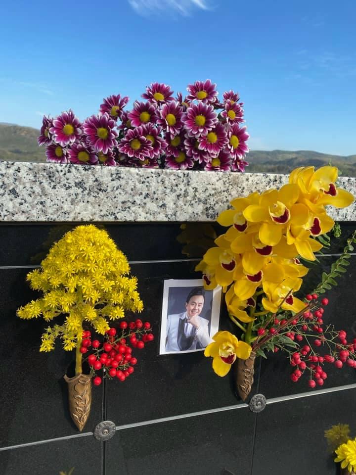 NS Thúy Nga: Ngày nào đi làm về, bé Heo cũng lên nghĩa trang thăm anh Chí Tài - Ảnh 4.