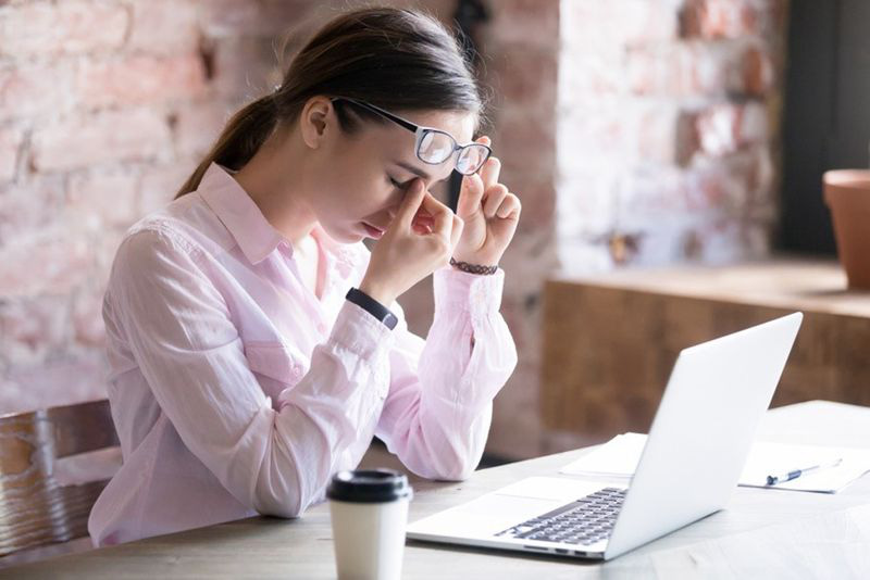 Cách chống lại mờ mắt, mỏi mắt cho giới văn phòng - Ảnh 3.