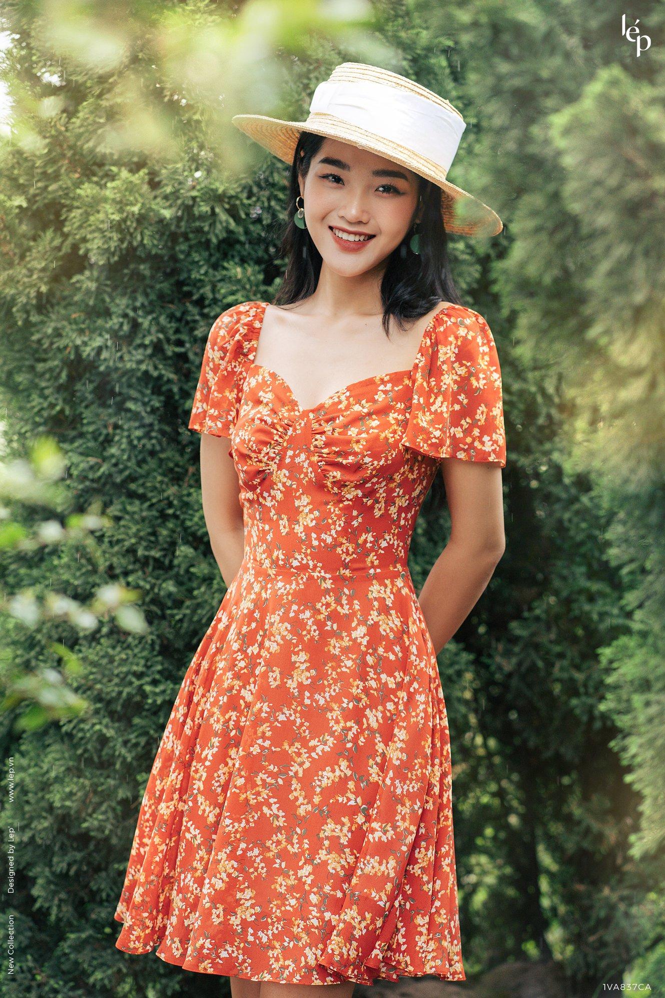 Khoe vai trần với đầm hoa trễ vai, Lan Ngọc đọ sắc cùng HH Thu Thảo: Hai nhan sắc đẹp đến mức ná thở - Ảnh 7.