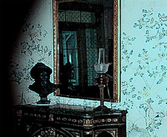 Bí ẩn chiếc gương giết người chỉ sau vài ngày tiếp xúc, hơn 100 năm đoạt mạng 38 người khiến giới sưu tầm đồ cổ sợ hãi - Ảnh 3.