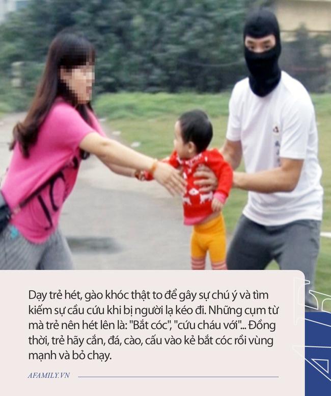 Bé gái bị bắt cóc ngay trước cửa nhà, bố mẹ lúc tìm thấy con thì sợ điếng người vì hung thủ quá đỗi xảo quyệt! - Ảnh 5.