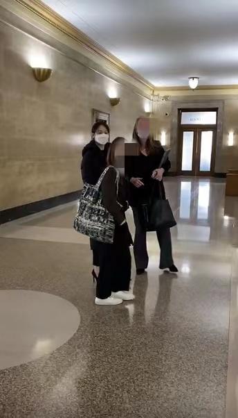 Trịnh Sảng công khai xuất hiện tại phiên tòa giành quyền nuôi con, khẳng định sẵn sàng từ bỏ sự nghiệp vì con - Ảnh 1.