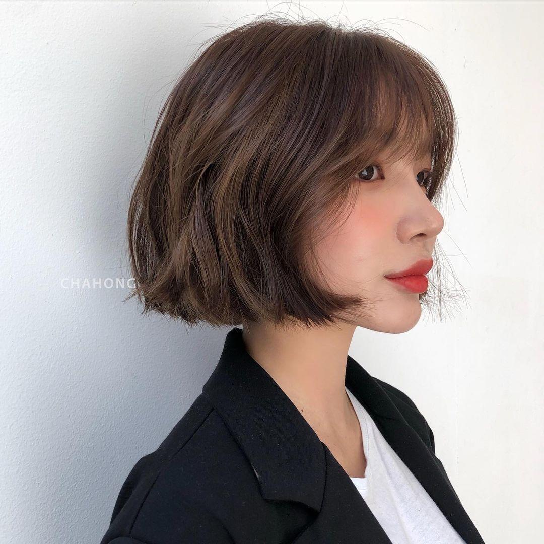 4 kiểu tóc ngắn hot nhất năm 2021, nàng công sở diện lên là auto trẻ ngay 5 tuổi - Ảnh 7.