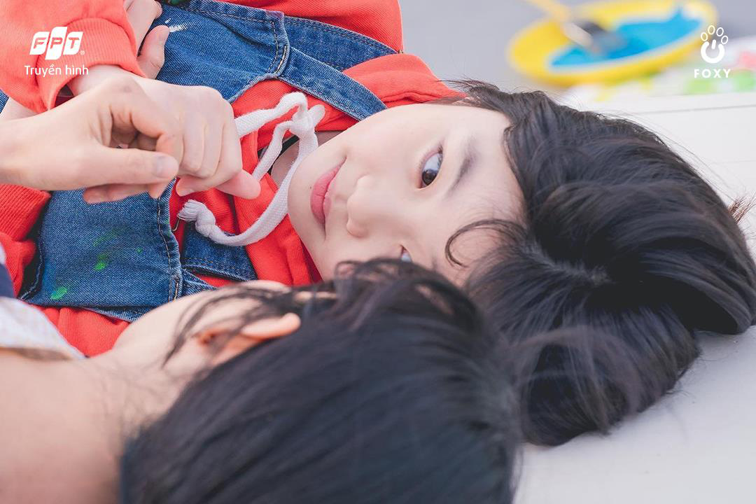 Cú đổi màu ngoạn mục giữa 'ác nữ' Lee Yoo Ri và 'bà mẹ quốc dân' Lee Il Hwa trong Ngàn Lời Nói Dối 005