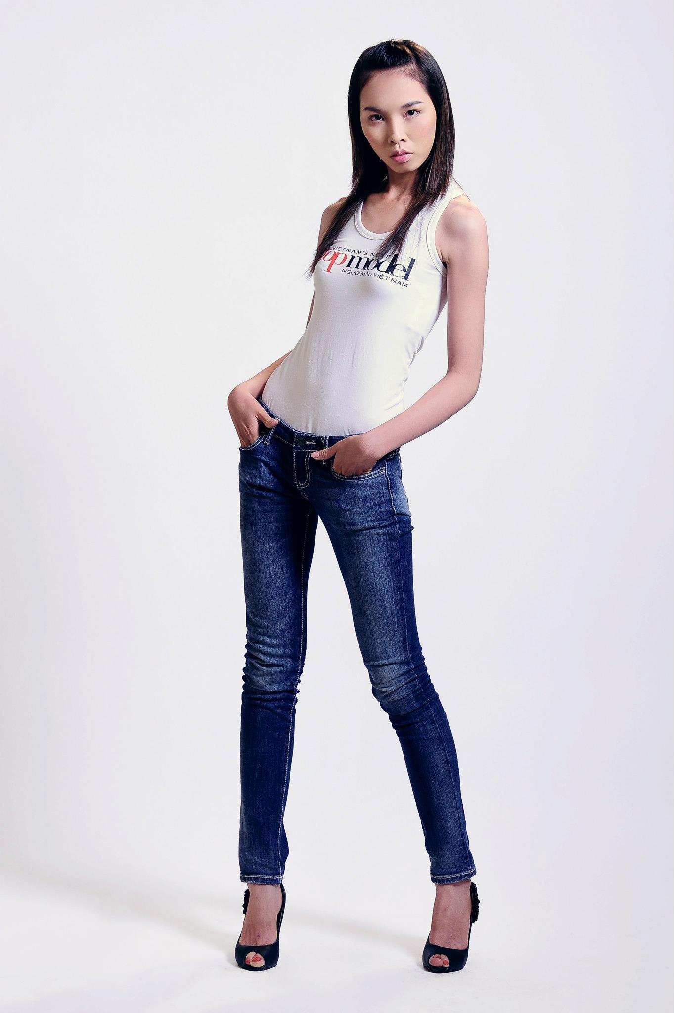 Mặc đồng phục, đeo dép lê đi thi Vietnams Next Top Model, cô gái này đã có màn lột xác ngoạn mục 1 năm sau đó! - Ảnh 9.