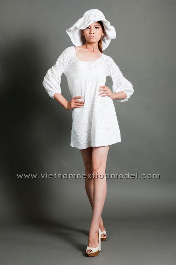 Mặc đồng phục, đeo dép lê đi thi Vietnams Next Top Model, cô gái này đã có màn lột xác ngoạn mục 1 năm sau đó! - Ảnh 10.
