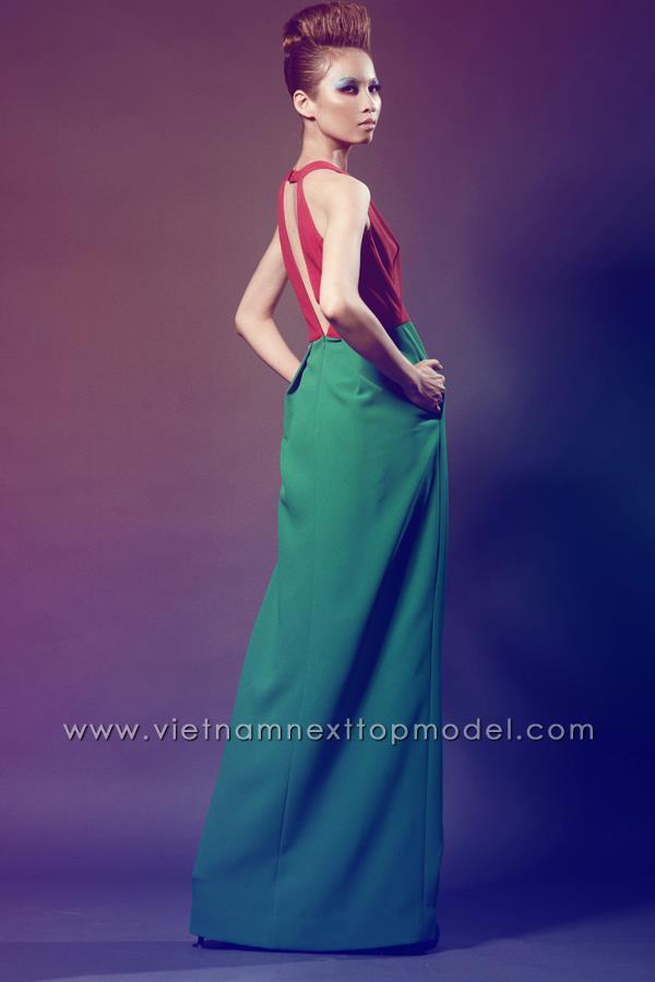Mặc đồng phục, đeo dép lê đi thi Vietnams Next Top Model, cô gái này đã có màn lột xác ngoạn mục 1 năm sau đó! - Ảnh 8.