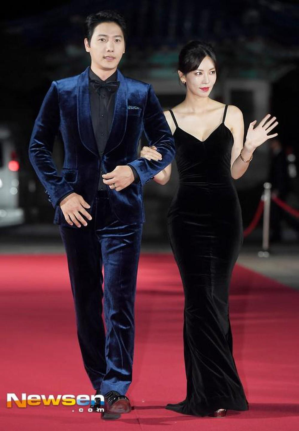 """Chẳng ngờ """"Ác nữ Penthouse"""" Kim So Yeon từng lên đồ táo bạo tột bậc, style hack dáng nhưng phản cảm đi vào lịch sử - Ảnh 10."""