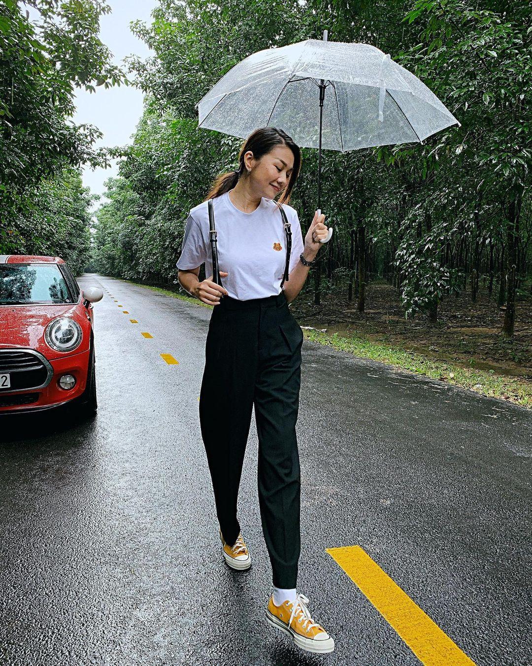 11 set đồ từ Thanh Hằng mà bạn có thể copy ngay để diện đi làm hay đi chơi cũng đẹp - Ảnh 9.