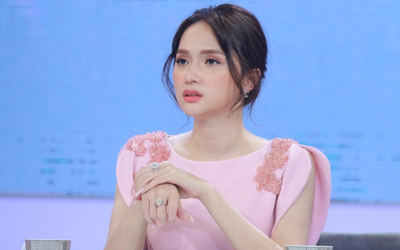 """Group fan có hơn 169 nghìn thành viên của Hương Giang bất ngờ biến mất, dân tình xôn xao lại có """"biến"""" gì đây?"""