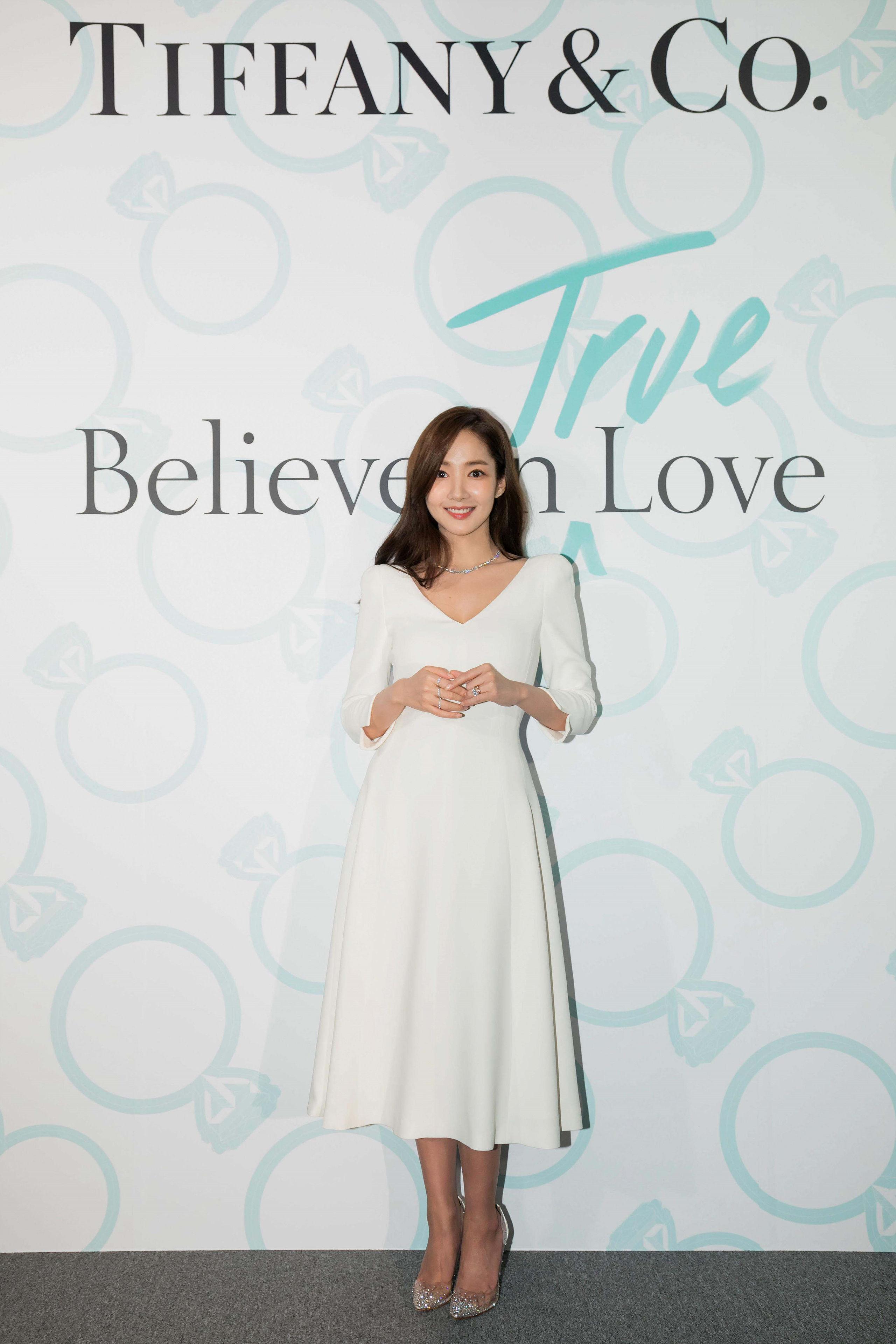 """Chơi chiêu nhỏ nhưng """"điên nữ"""" Seo Ye Ji vẫn ghi điểm khác biệt Song Hye Kyo, Park Min Young… khi đụng độ - Ảnh 4."""