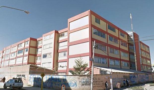 5 sinh viên Bolivia chết khi lan can ban công trường đại học sụp đổ - Ảnh 6.