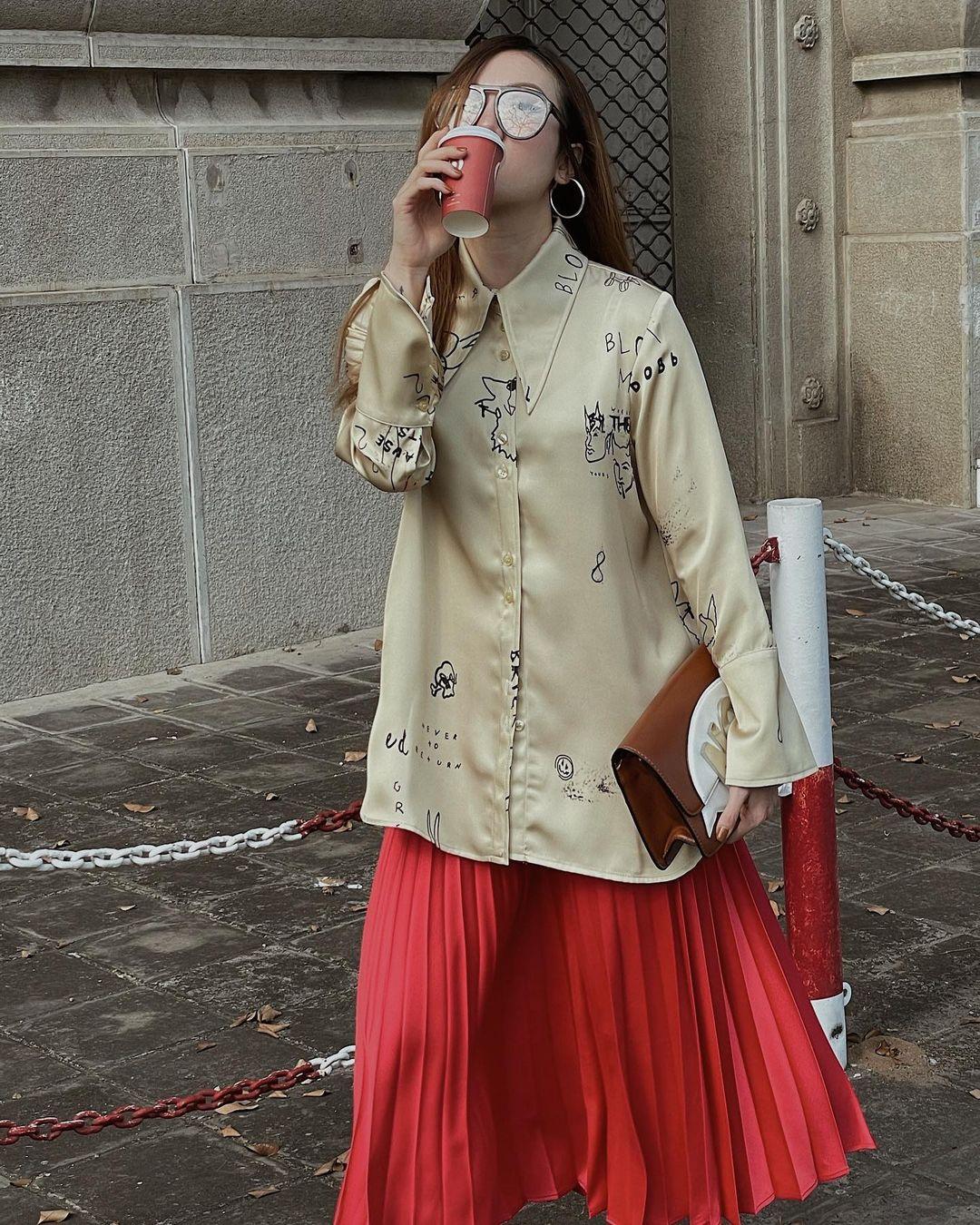 Học mỹ nhân Vbiz sắm ngay 5 kiểu chân váy dài đẹp và sang ngút ngàn 007